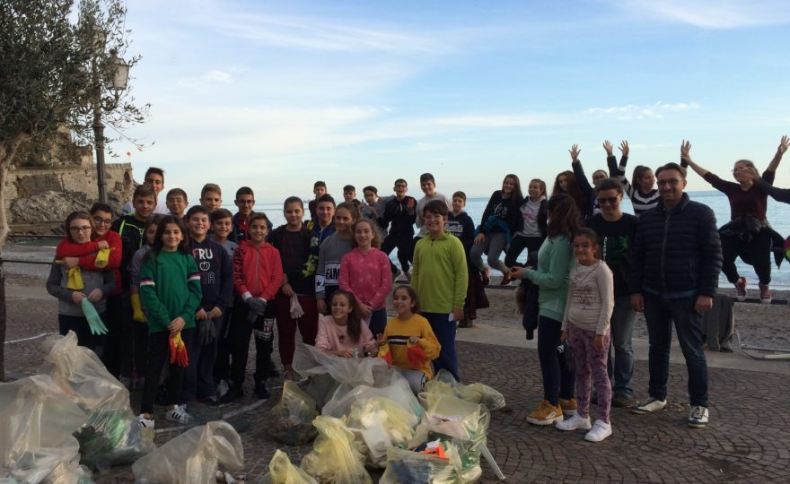 UNESCO WEEK 2018: Over 4.000 pieces of plastic were found by 50 students of Istituto Comprensivo di Minori in a beach of the Amalfi Coast