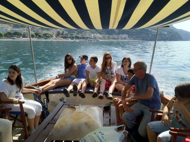 Premio Francesca Mansi: in barca lungo la Costiera amalfitana la classe vincitrice